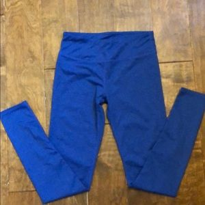 XS fabletics leggings